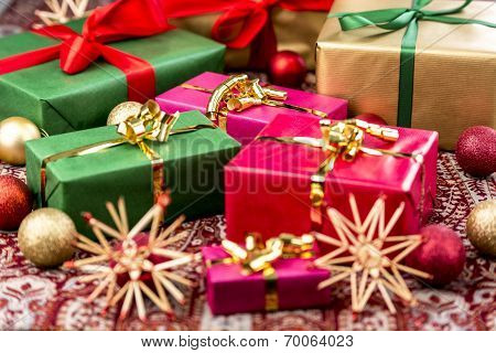 Xmas Presents with Bows, Baubles and Stars