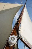 picture of pulley  - Boat standing and running rigging  - JPG