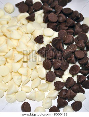 White and dark chocolate chips