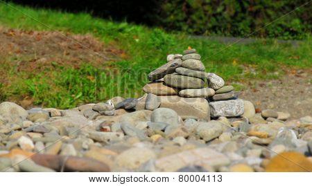 hillock of stones