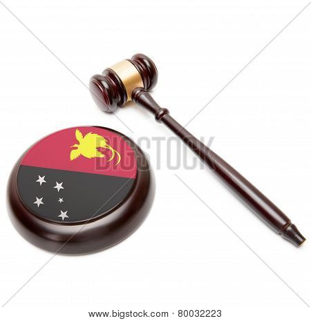 Judge Gavel And Soundboard With National Flag On It - Papua New Guinea