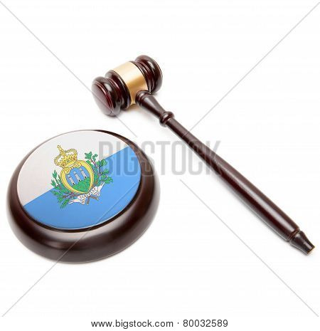 Judge Gavel And Soundboard With National Flag On It - Most Serene Republic Of San Marino