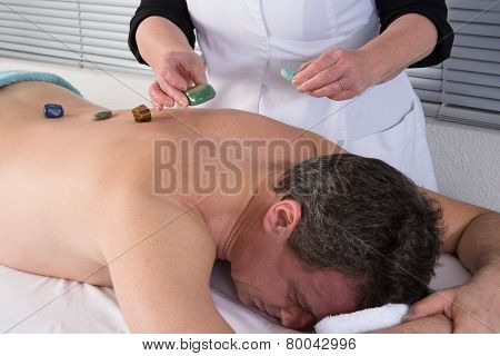 Massage with crystals