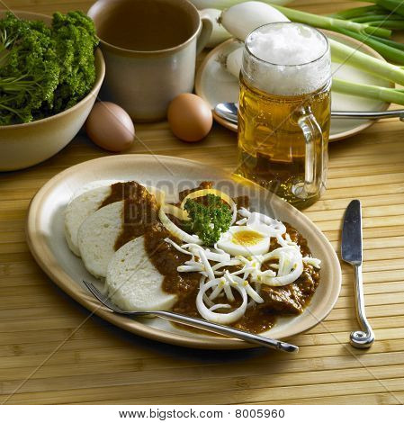 beef goulash with egg