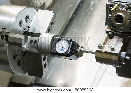 Operator Setup Tool And Setting Tool Zero Position Of Cnc Turning Machine