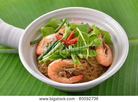 Shrimp And Vermicelli Bake Topped With Spicy Sauce. Thai Food