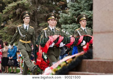 Cadets Young Guard Lay A Wreath At The Monument