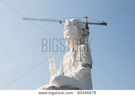Guan Yin statue under construction, Wat huay pla kang