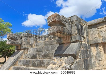 Ancient Mayan civilization historical ruins. Kukulcan Temple at Chichen Itza, Yucatan, Mexico.