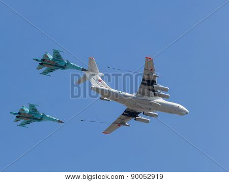 Steam Refueling Of Military Aircraft In The Air