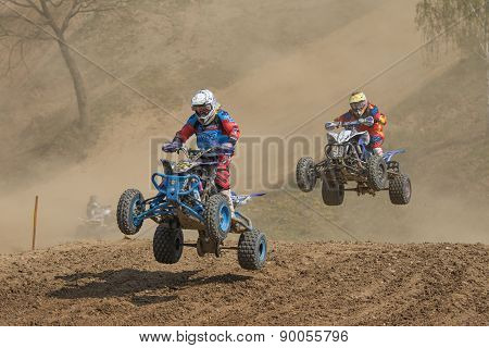 Quad Race - Two Riders In A Jump