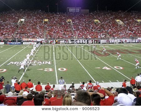 Wisconsin Kick-Off-Ball zu Unlv