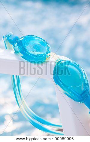 glasses blue for swimming