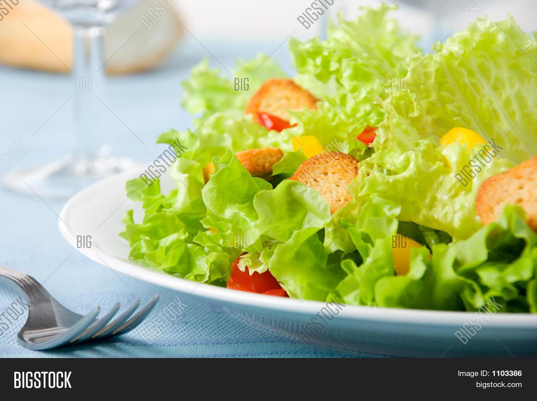 Салат с пекинской капустой и перепелиными яйцами рецепт