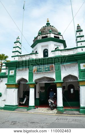 Nagore Durgha Sheriff Mosque Located At The Intersection Of King Street And Chulia Street, Penang, M