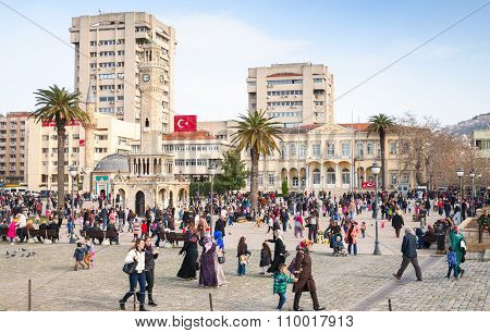 Konak Square With Walking People, Izmit, Turkey