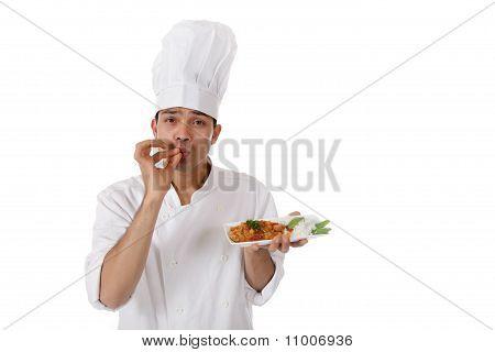 Macho jovem Chef de Nepalese, saboroso