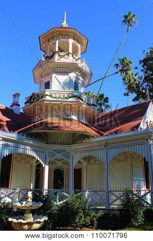 Queen Anne Victorian
