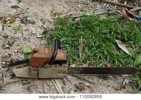 Old Chainsaw Tool