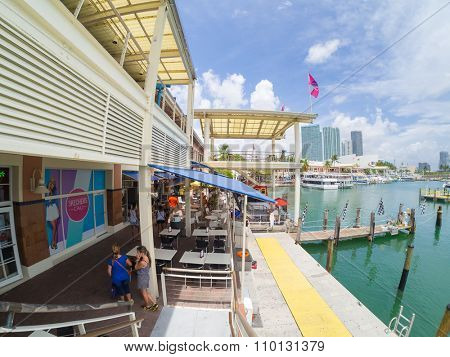 MIAMI,USA - AUGUST 5,2015 : The Bayside Marketplace at Biscayne Bay in Miami