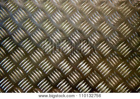Metal grid plate