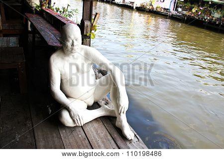 Bangkok, Thailand - November 30, 2015: Man Statue In Front Of Bangkok Artist's House. Bangkok Artist
