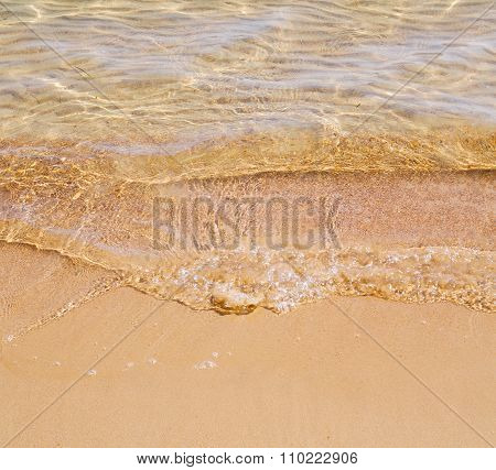 Flow Foam And Froth In The Sea    Of Mediterranean Greece