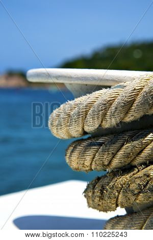 Asia  The  Kho Tao Bay Isle White  Ship   Rope    Sea Anchor