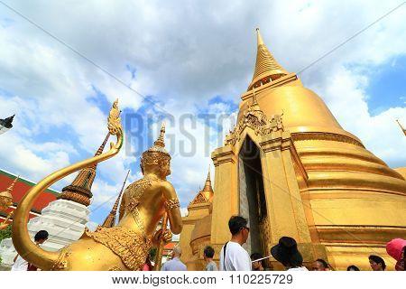 Wat Phra Si Rattana Satsadaram in Bangkok, Thailand
