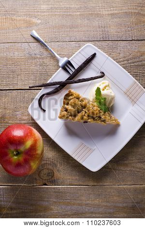Apple pie with crumble.