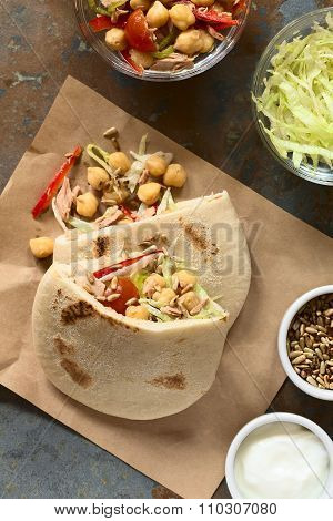 Pita Sandwich with Tuna and Chickpea