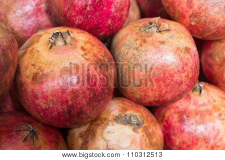 Pomegranates /grenadine Fruits