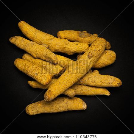 Top view of Organic Long Turmeric.