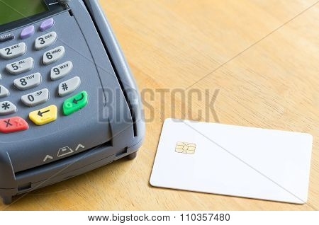 Blank Electronic Chip Credit Card With Credit Card Machine