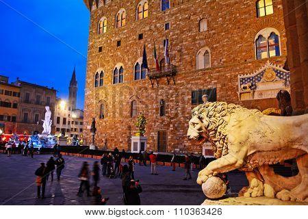 Piazza Della Signoria In Florence With Palazzo Vecchio