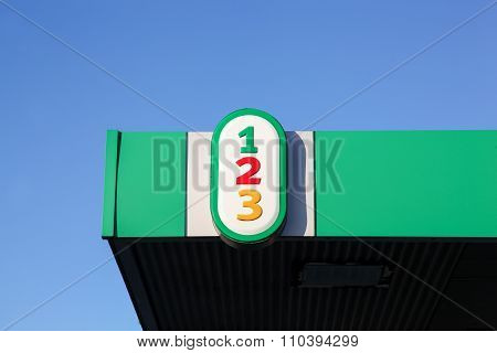 1-2-3 logo on a gas station