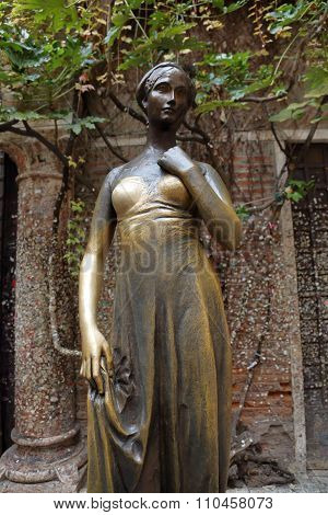 The statue of Juliet in Verona, Italy