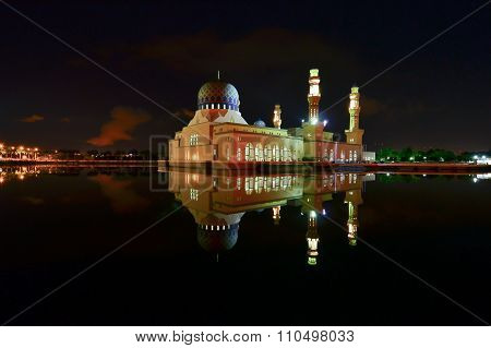 Night Photography of Masjid Bandaraya Kota Kinabalu, Sabah.
