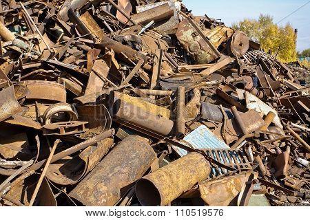 pile of rusty metal.
