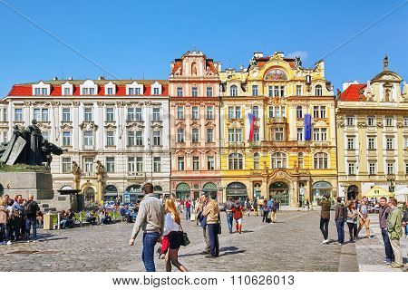 Prague,czech Republic- September 12, 2015: Staromestske Namesti ( Ol? Town Square) On Historic Squar