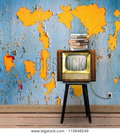 Vintage Interior With Tv And Books