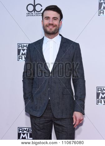 LOS ANGELES - NOV 22:  Sam Hunt arrives to the American Music Awards 2015  on November 22, 2015 in Los Angeles, CA.