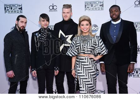 LOS ANGELES - NOV 22:  Pentatonix arrives to the American Music Awards 2015  on November 22, 2015 in Los Angeles, CA.