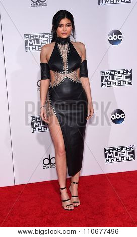 LOS ANGELES - NOV 22:  Kylie Jenner arrives to the American Music Awards 2015  on November 22, 2015 in Los Angeles, CA.