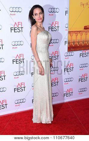 LOS ANGELES - NOV 5:  Angelina Jolie arrives to the