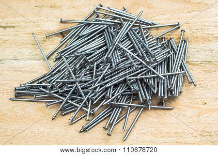 Nail (fastener)