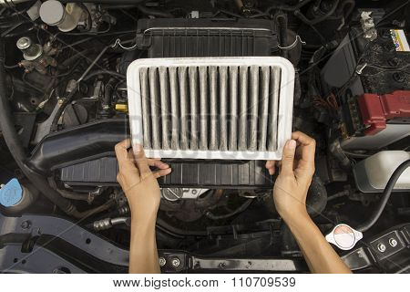 Mechanic Check The Engine Daily