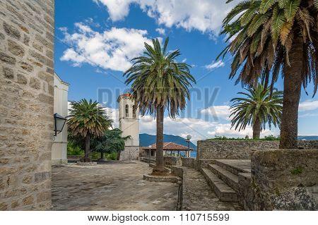 Herceg Novi fortress Fort Mare pedestrian routes