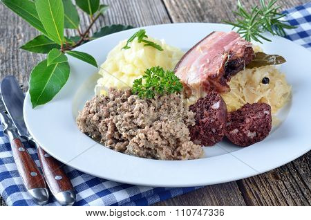 Bavarian meat and sausage platter
