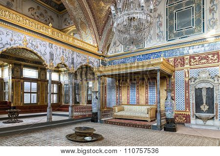 Throne Room Inside Harem Section Of Topkapi Palace, Istanbul, Turkey